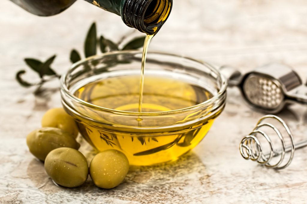 healthiest-runners-diet-for-best-performance-olive-oil